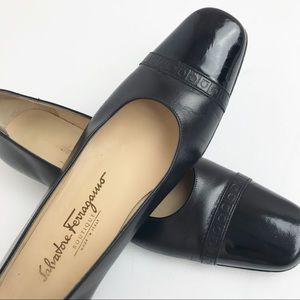 SALVATORE FERRAGAMO | Black Leather Loafer Flats